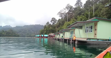 Khao Sok Smiley Bungalows and Smiley Lake House